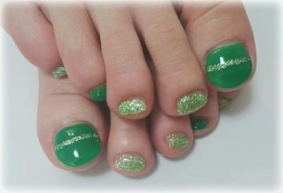 Cenbless 鮮やかなグリーン!フットジェルネイル☆