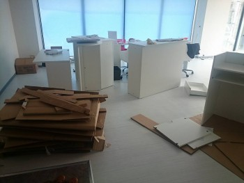 Cenbless 成増フェイシャル&ネイルサロン 移転準備 組立家具