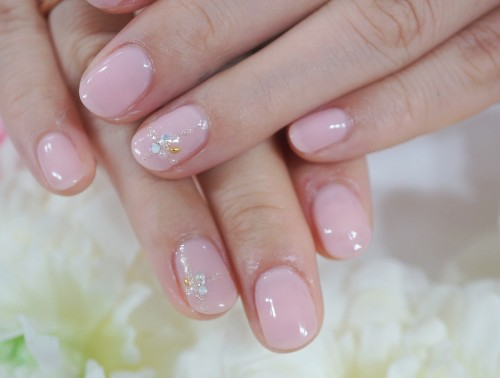 Cenbless 成増フェイシャル&ネイルサロン 上品ピンク&クロスデザインネイル