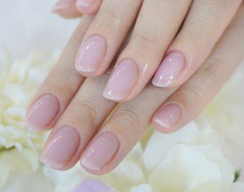 Cenbless 成増フェイシャル&ネイルサロン 透明感が美しいシアー系ピンクのうる艶上品セレモニーネイル