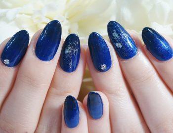 Cenbless 成増フェイシャル&ネイルサロン 大人ネイル☆濃色ブルーのグラデーションが美しいワンカラー×ホイルアートネイル