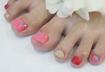 Cenbless 成増フェイシャル&ネイルサロン 元気な赤ベース&ターコイズストーン☆夏フットジェルネイル