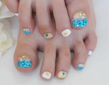 Cenbless 成増フェイシャル&ネイルサロン 海に行きたくなる夏フットネイル!ブルーホログラデーションネイル