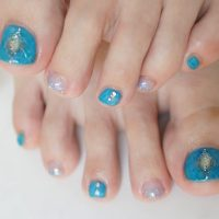 Cenbless 成増フェイシャル&ネイルサロン 海に行きたくなる夏デザイン!クリアブルー×オーロラフットジェルネイル