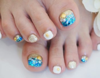 Cenbless 成増フェイシャル&ネイルサロン 海に行きたくなるキラキラビーチデザイン☆フットネイル