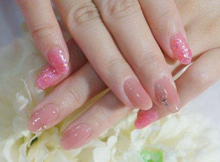 Cenbless 成増フェイシャル&ネイルサロン うる艶シアーベージュピンク×ラメホロピンクネイル