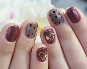 Cenbless 成増フェイシャル&ネイルサロン 大人っぽいブラウンのハートバレンタインネイル