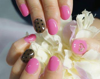 Cenbless 成増フェイシャル&ネイルサロン 大人ピンク×シースルーのバレンタインネイル