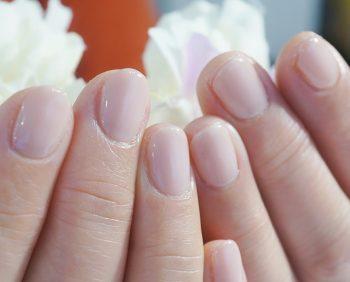 Cenbless 成増フェイシャル&ネイルサロン 急なご葬儀に合わせてのオフオン/素肌に馴染むヌードベージュのワンカラーネイル