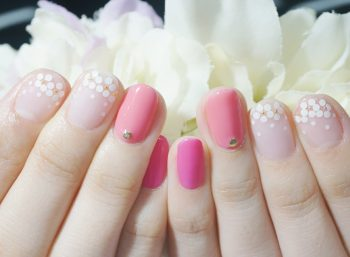 Cenbless 成増フェイシャル&ネイルサロン 春色ピンク×ホロフラワーネイル