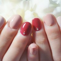Cenbless 成増フェイシャル&ネイルサロン 大好きなベージュカラーに赤色のポイントネイル