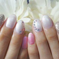 Cenbless 成増フェイシャル&ネイルサロン 春色すっきりピンク×パールホワイト!ライブ仕様ネイル