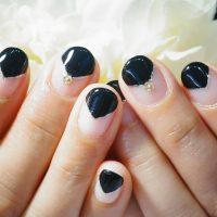 Cenbless 成増フェイシャル&ネイルサロン 漆黒ブラックのVフレンチネイル