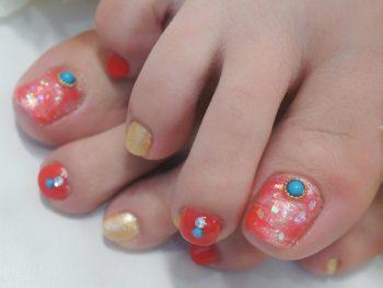 Cenbless 成増フェイシャル&ネイルサロン 夏の足元を彩る赤珊瑚カラーのニュアンスフットネイル