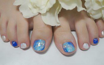 Cenbless 成増フェイシャル&ネイルサロン 深海のような煌めき☆夏のブルー系ニュアンスアートフットネイル