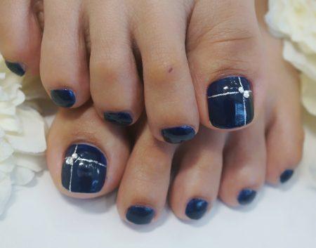 Cenbless 成増フェイシャル&ネイルサロン シックな濃紺!フットネイル