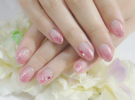 Cenbless 成増フェイシャル&ネイルサロン 人気色♪キラキラオーロラ入りピンクのラメグラデーションネイル