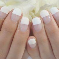 Cenbless 成増フェイシャル&ネイルサロン すっきりホワイト2色使い!ストレートフレンチネイル