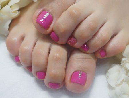 Cenbless 成増フェイシャル&ネイルサロン 元気が出るピンクカラー!フットネイル