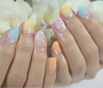 Cenbless 成増フェイシャル&ネイルサロン K-POPアイドル配色!?カラフルグラデーションネイル