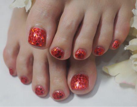 Cenbless 成増フェイシャル&ネイルサロン ギラギラフット!真っ赤なホログラム×ラメで夏のフットネイル!