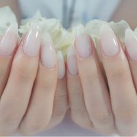 Cenbless 成増フェイシャル&ネイルサロン 人気色!乳白色シアーネイル