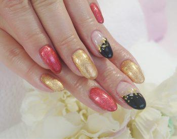 Cenbless 成増フェイシャル&ネイルサロン お正月らしい艶やかなネイル!漆黒&赤ラメ&金グリッター