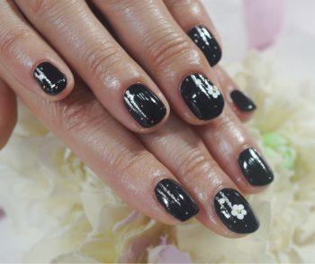 Cenbless 成増フェイシャル&ネイルサロン お正月の和装サンプルをシックな漆黒ブラックで!お正月ネイル