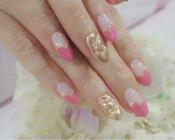 Cenbless 成増フェイシャル&ネイルサロン 大好きなローズピンクで!♥フレンチ×シャンパンミラーのバレンタインネイル