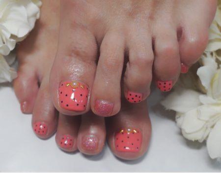 Cenbless 成増フェイシャル&ネイルサロン 春色ピンク×水玉♪フットジェルネイル