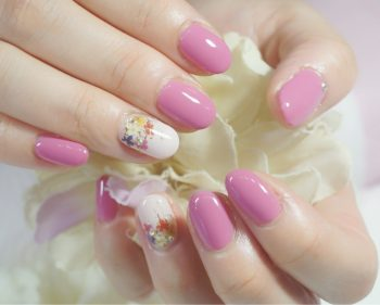 Cenbless 成増フェイシャル&ネイルサロン 春色ピンク♪押し花風小花ネイル