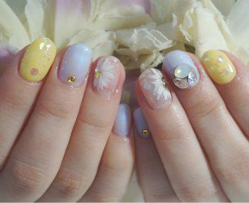 Cenbless 成増フェイシャル&ネイルサロン 春夏人気デザイン!爽やか清楚なフラワーネイル