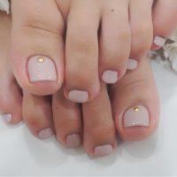 Cenbless 成増フェイシャル&ネイルサロン ヌーディーなくすみ系ピンクのフットネイル