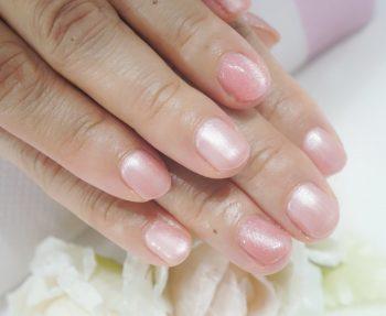 Cenbless 成増フェイシャル&ネイルサロン 上品サーモンピンクのワンカラー×キャッツアイ(スターギャラクシー)ネイル